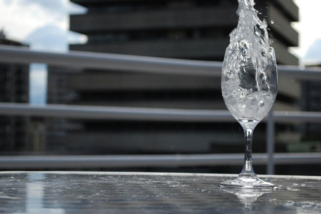 copa con agua