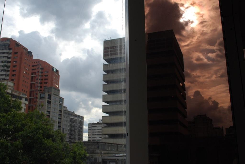 foto contraste edificio
